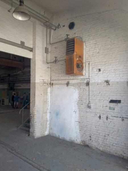 Heiz-Lüfter in Werkhalle (2)